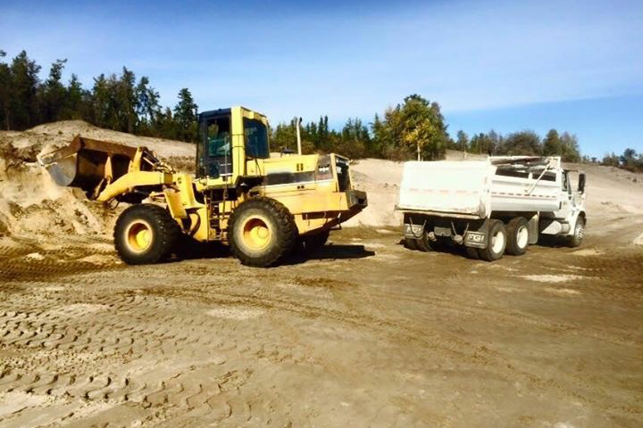 trucking_services_yellowknife